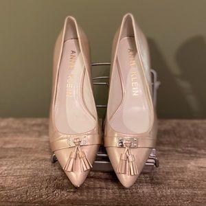 Anne Klein tasseled leather kitten heels shoe 7.5M
